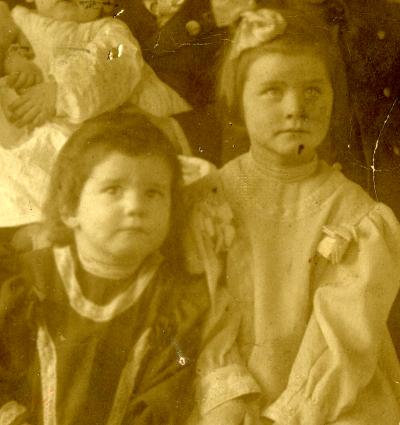 lottieandcatherinehall-1907